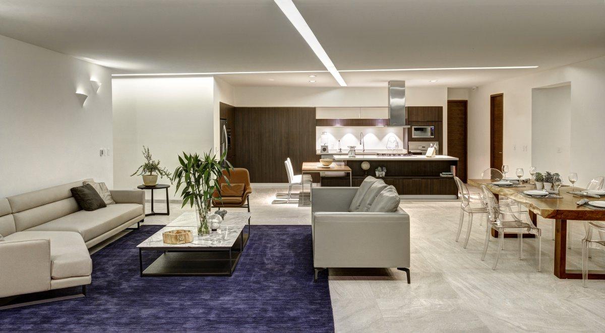 lassala + orozco arquitectos mexico. open space cocina y salon sofa de piel