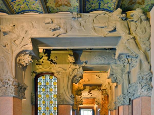 Detalle de las esculturas casa lleó morera Barcelona