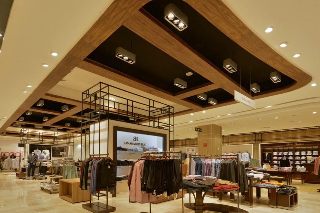 BANANA REPUBLIC (4) Iluminacion en retail Leds c4