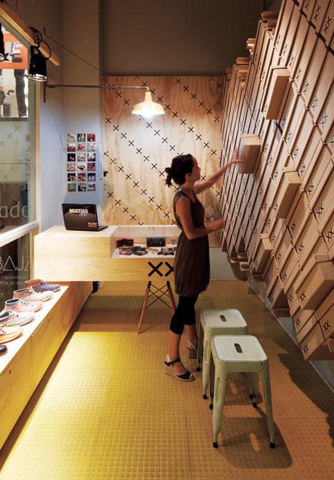 Bestias XX shop por Move Architects. Fuente shopdesigngallery.com interiorismo corporativo