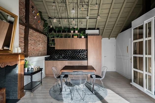 Renovar cocina sin obras COCINAS NEGRAS. PAREDES AZULEJO METRO . AEDIFICARE. foto david montero