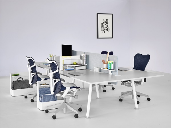 Escritorio Memo sillas Mirra. Herman Miller Spain. Showroom Koff en Madrid