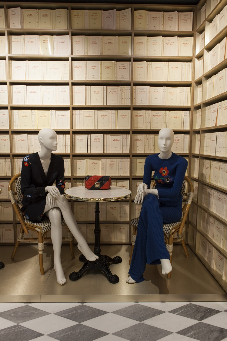 Flagship Sonia Rykiel Madrid Foto By ManoloYllera Vudafieri-Saverino Partners sillas thonet Coleccion Gallimard