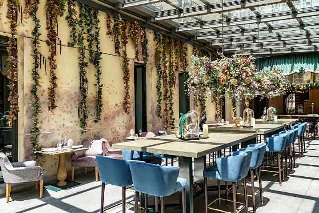 HOTEL VINCCI SOHO MADRID. ALEJANDRA POMBO INTERIORISTA. foto David Montero Restaurante con Terraza Cubierta