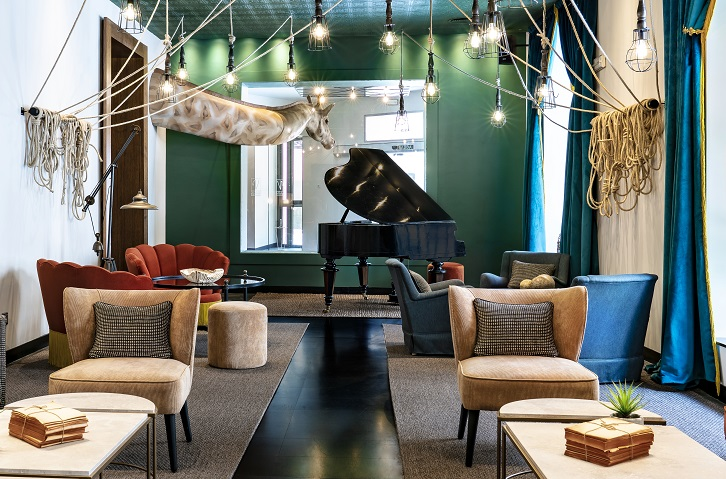 HOTEL VINCCI SOHO MADRID. ALEJANDRA POMBO INTERIORISTA. foto David Montero salon de piano Bambalinas