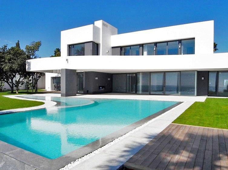 house-for-rental-marbella-los-monteros-casas-de-lijo-en-alquiler-en-marbella-luxury-real-estate-1