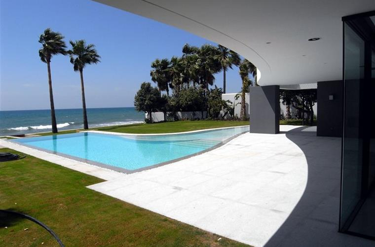 house-for-rental-marbella-los-monteros-casas-de-lijo-en-alquiler-en-marbella-luxury-real-estate-2