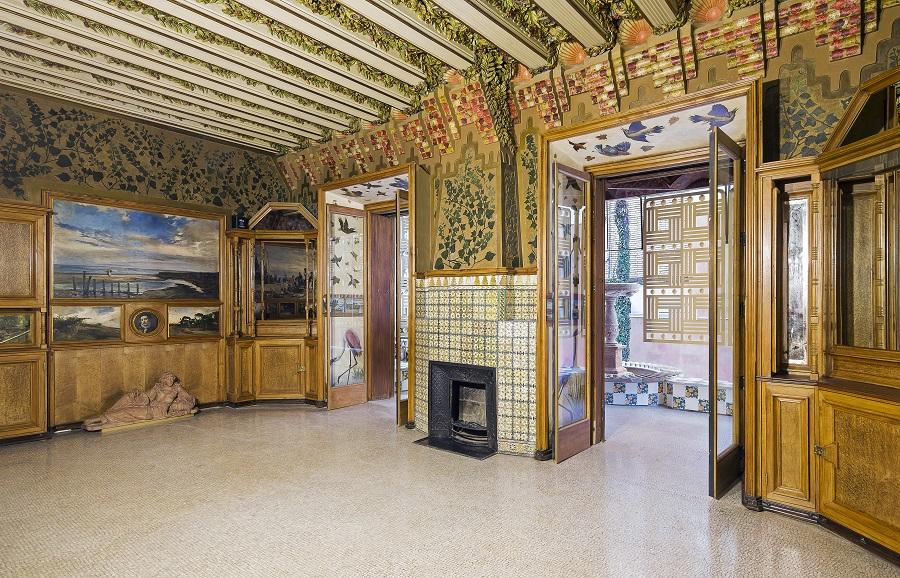 Interior de la Casa Vicens Gaudí en Barcelona exponente del modernismo By Pol Viladoms (8)