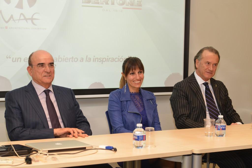 Izda. Juan-Luis Grafulla, Dott.ssa Federica Minozzi, Aldo Cingolani.