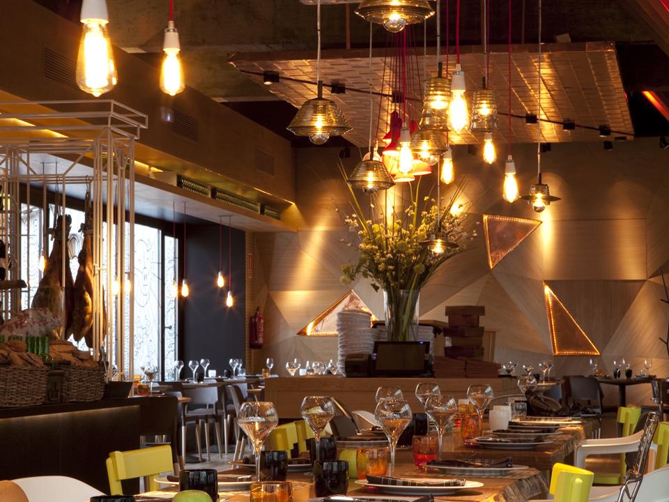 Diseño de vanguardia para restaurante y terraza