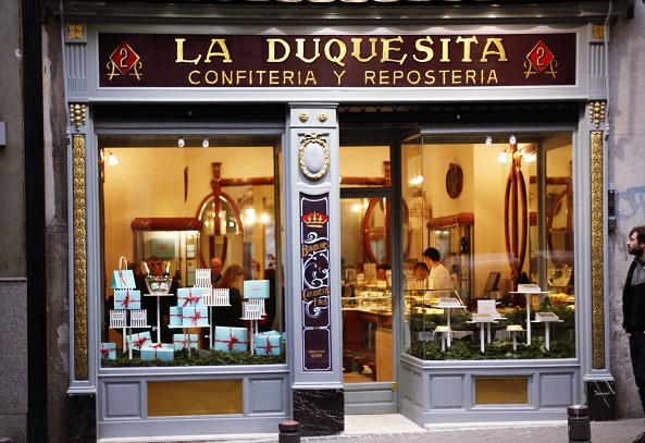 La duquesita Madrid rotulacion a mano diego apesteguia Store Design. Diseño de tiendas