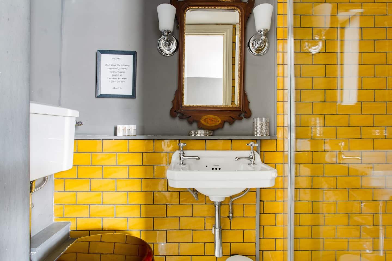 Luxury Regency Apartment . Baño Diseño de interiores inspirado por los Bridgerton