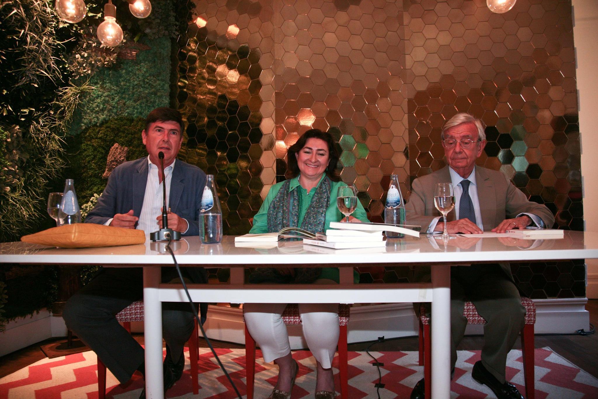 Manuel Pimentel, Almudena Villegas y Rafael Ansón .Casa Decor 2016 en cifras