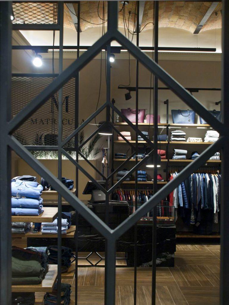 Boutique Matrícula Juan Penadés en Castellón por Estudio Vitale