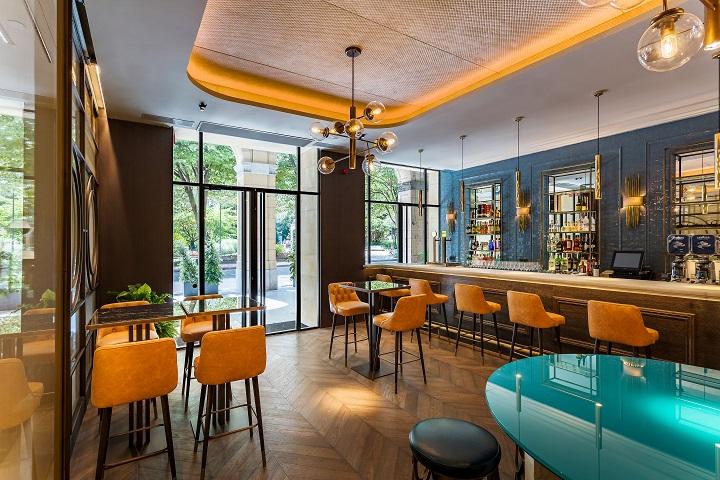 Hotel ROOM MATE GORKA en San Sebastián. Bar