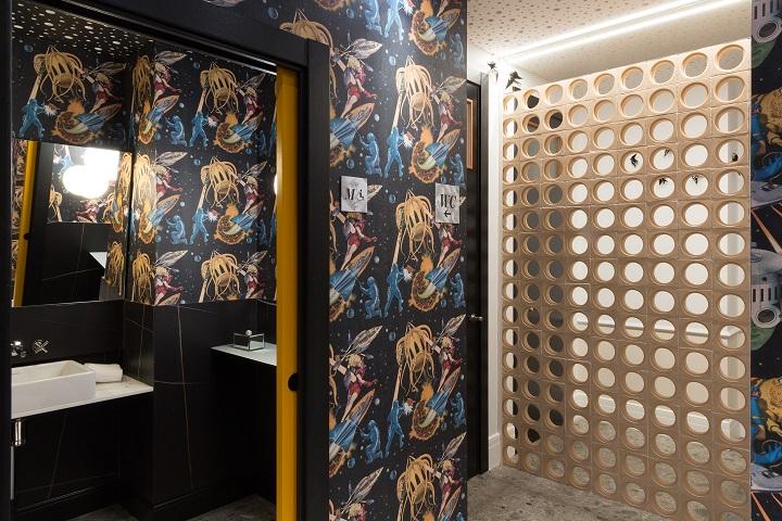 Restaurante en Logroño Juan Carlos Ferrando. Diseño interior . Detalle baños y celosía