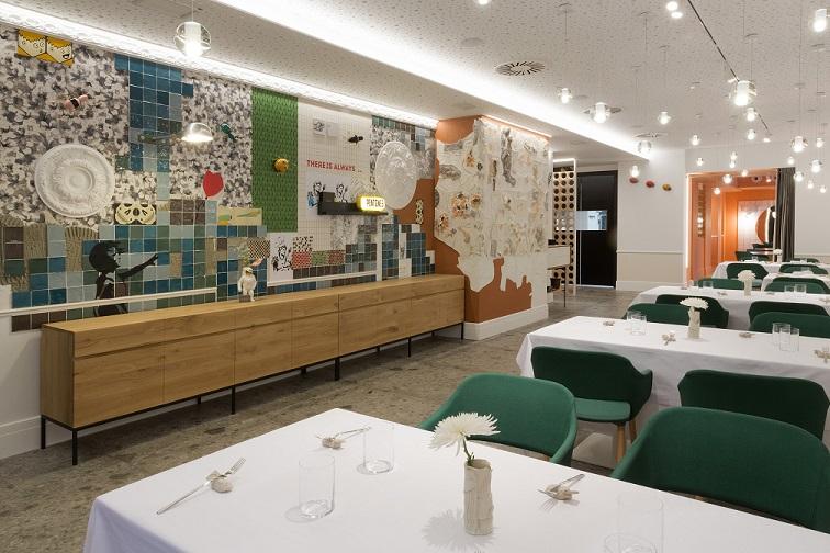 Restaurante en Logroño Juan Carlos Ferrando. Diseño interior mural cerámico