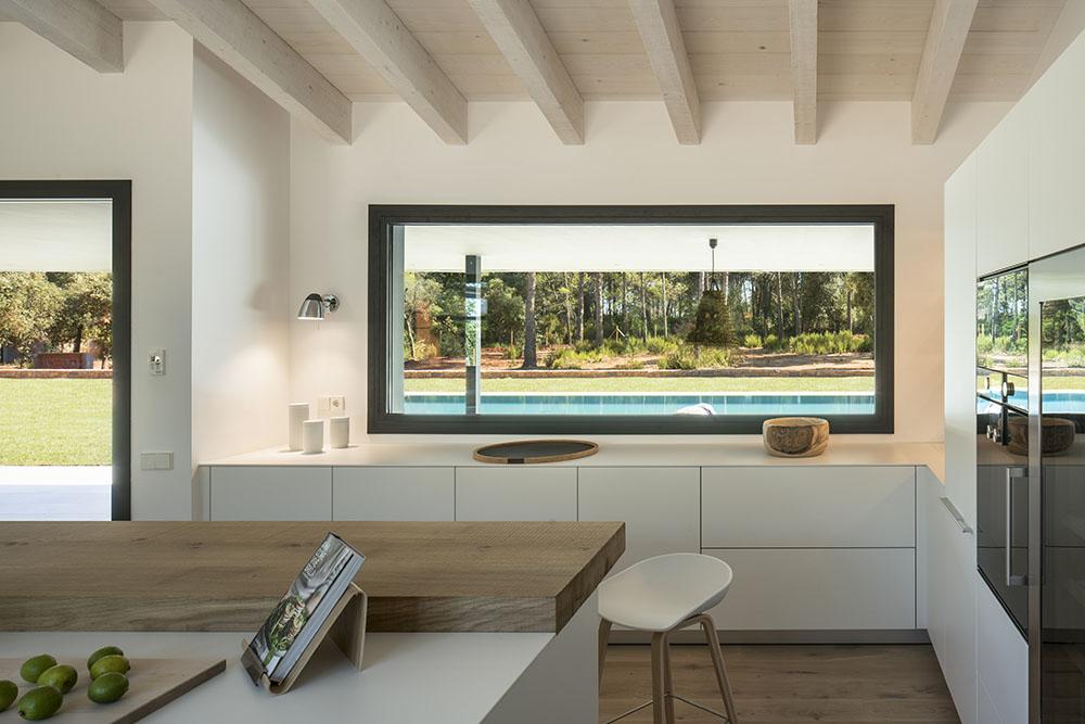 Concepto diseño Slow decoracion.SUSANA COTS OXYGEN SLOW LIFE DESIGN Taburete HAY, cocina Bulthaup, barra madera maciza.