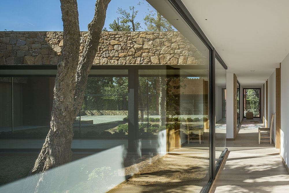 Concepto diseño Slow decoracion. SUSANNA COTS OXYGEN SLOW DESIGN . Casa en el Ampurdán.