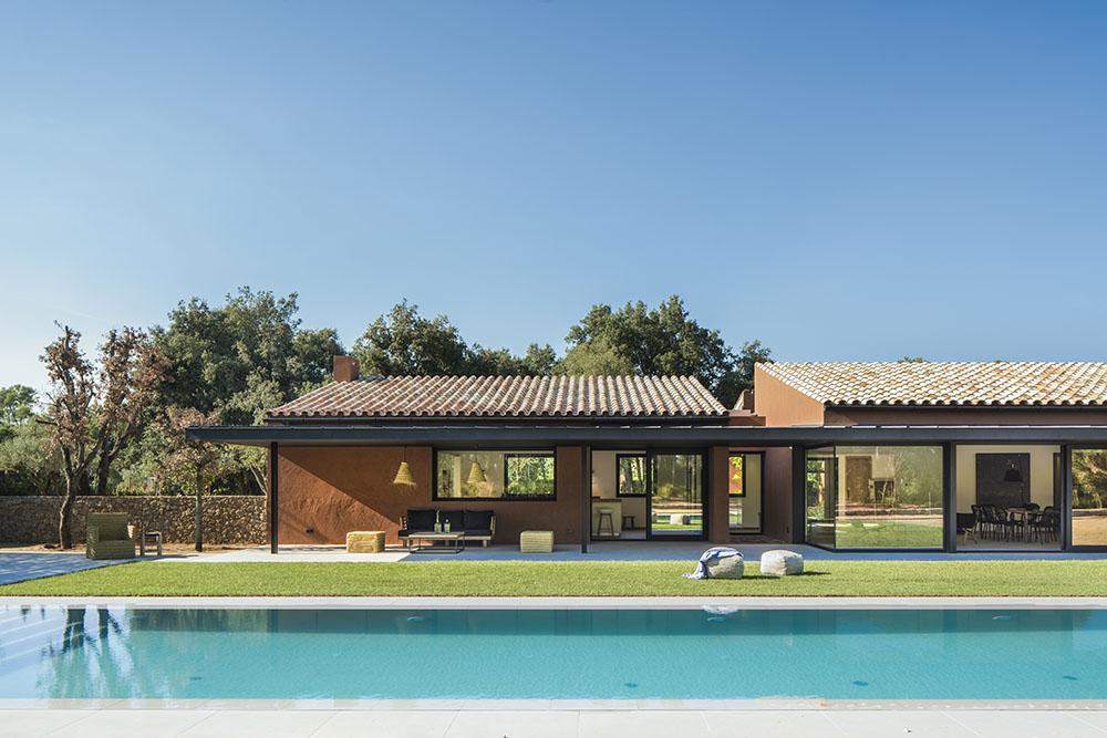 SUSANNA COTS OXYGEN SLOW DESIGN . Vista exterior .Concepto diseño Slow decoracion Casa en el Empordá