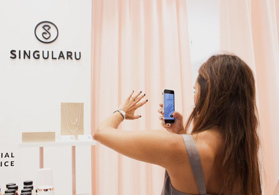 Tienda Singularu Valencia . Bisuteria on line y tienda fisica. Diseño Huuun Estudio pedidos on line