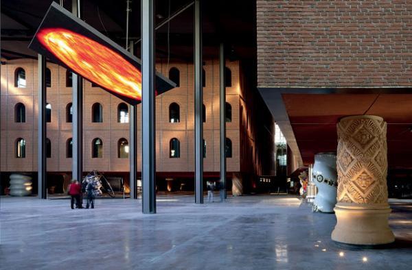 Alhondiga Bilbao. Philippe Starck