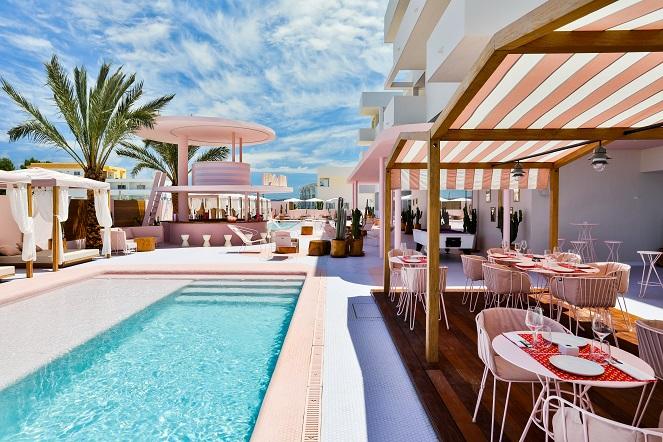 Paradiso Ibiza Art Hotel Diseño ilmiodesign. Terraza piscina