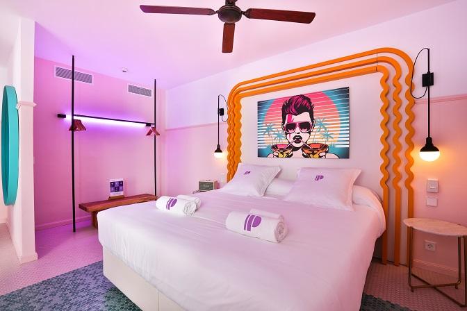 Paradiso Ibiza Art Hotel. Diseño ilmiodesign.habitacion rosa