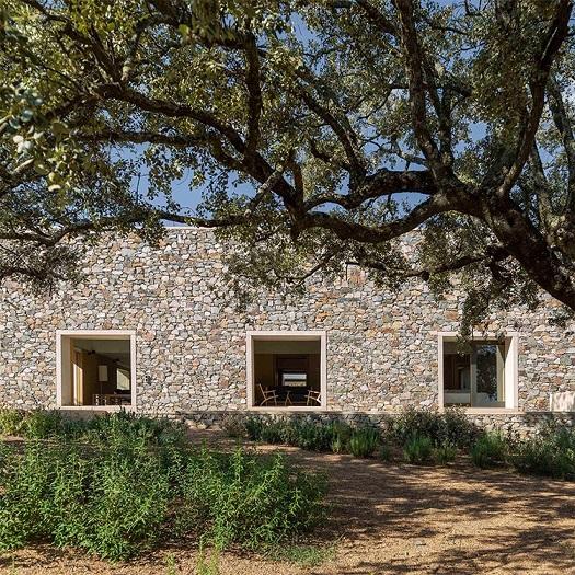 casa de piedra en Caceres tuñon arquitectos