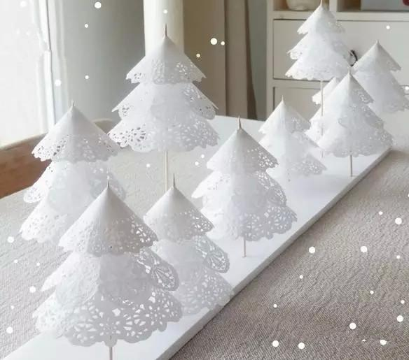 centro de navidad con blondas de papel. Do it your self. Ideas de Navidad divertidas