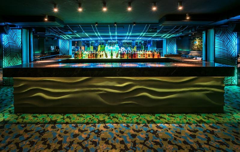 chango club discoteca Madrid. Diseño Cuarto Interior. Barra . iluminacion led Tao Necsum