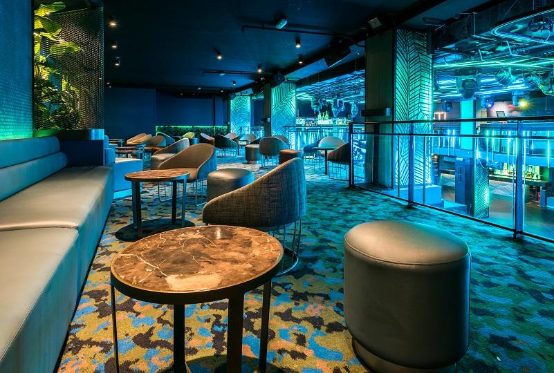 Sala Changó. chango club discoteca Madrid. Diseño Cuarto Interior. asientos tonella sancal iluminacion led Tao Necsum