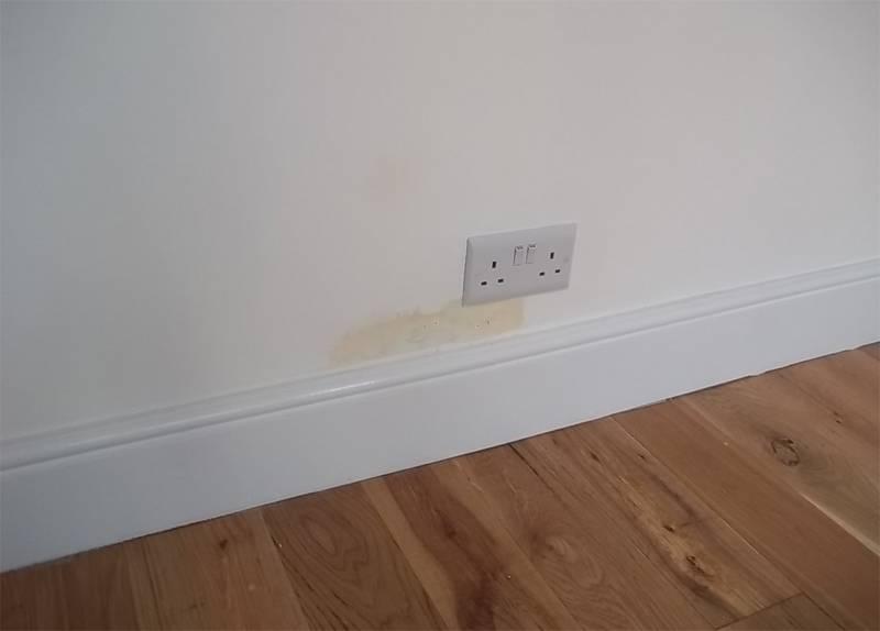 humedades-en-las-paredes-01 Nestoria . Consejos para comprar una casa de segunda mano