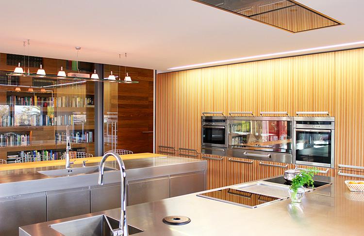 arc línea- cocina Lignum et lapis de Antonio Citterio. Proyecto Mara Pardo Estudio