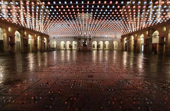 Luci d´artista Torino daniel-buren-tappeto-volante