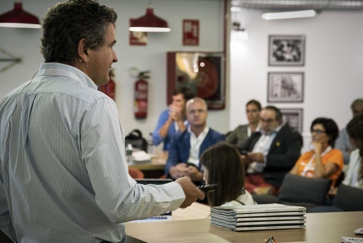 debate sobre la tienda fisica en retail design conference madrid 3g smart group . Francisco Vazquez Medem