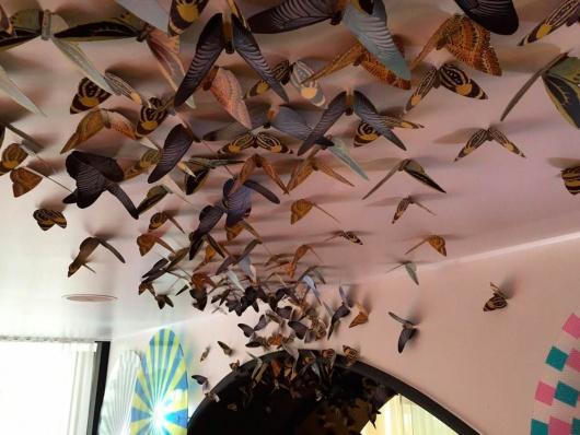 detalle_decoracion_empaperart_diverxo- mariposas  Origami empaperart petit fashion week