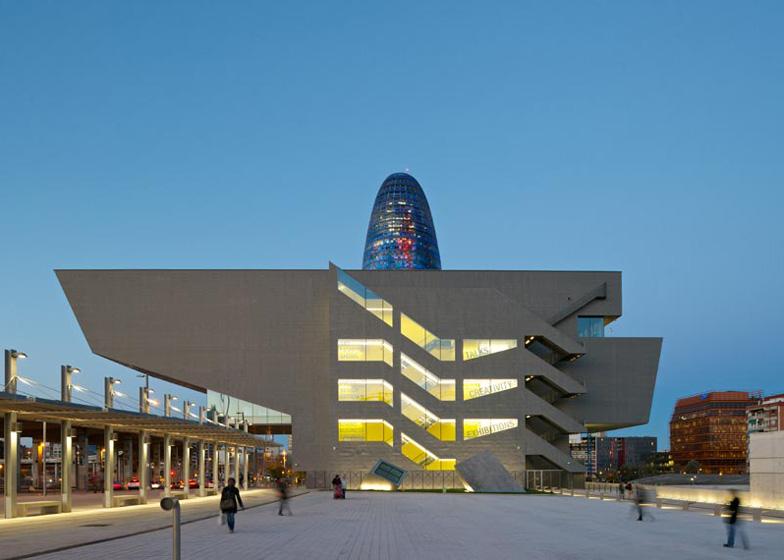 dezeen_DHUB-Museu-del-Disseny-de-Barcelona-by-MBM-Arquitectes_ss_2