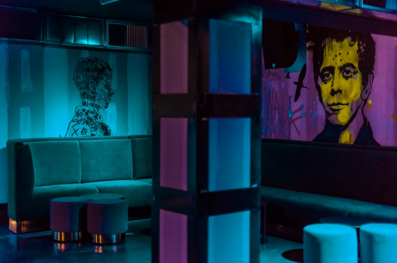 discoteca-blackhaus madrid-cuarto-interior-diseno-graffitis