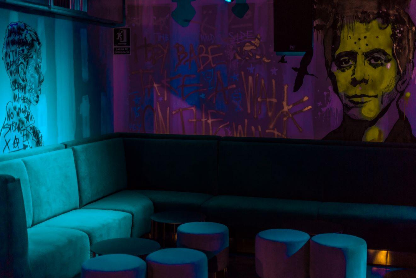 discoteca-blackhaus madrid-cuarto-interior-diseno-graffitis-lou-reed