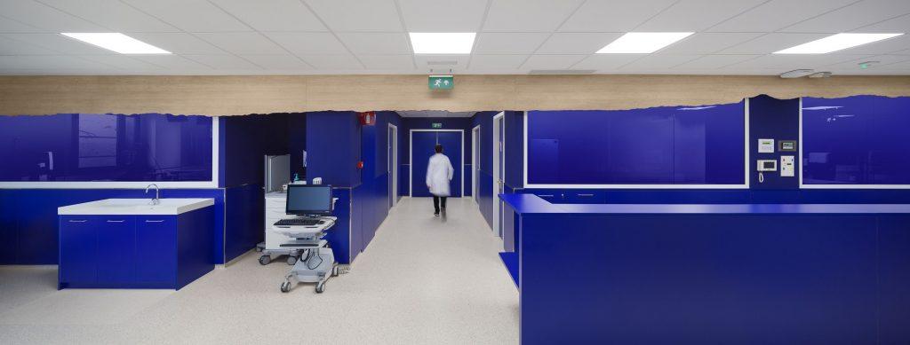diseño clinica oncologica en Manresa diseño Rai Pinto y Arauna Studio 2.