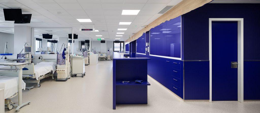 diseño clinica oncologica en Manresa diseño Rai Pinto y Arauna Studio.