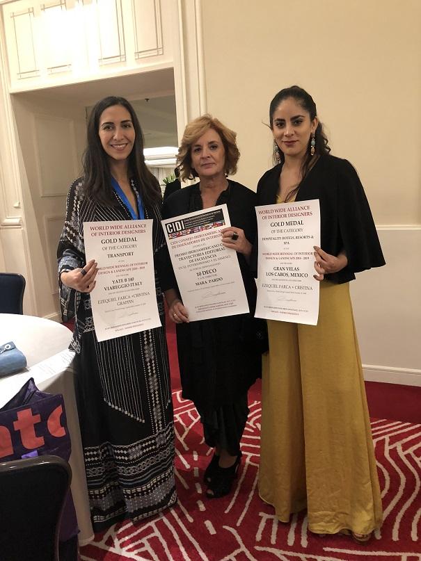 Gala de premiaciones Cidi 2018. México. Cristina Grappin y Adria Martinez de Ezequiel Farca+ Cristina Grappin con Mara Pardo de 10Deco