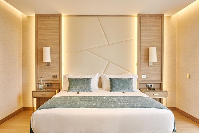 hotel VP Plaza Espana Design proyecto Cuato interior fotos D Schaefer . Cabeceros