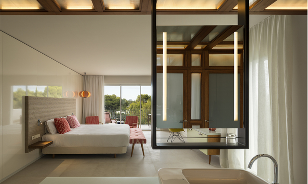 isabel lopez vilalta inturotel emerald suites. Ponentes Interihotel Barcelona 2017