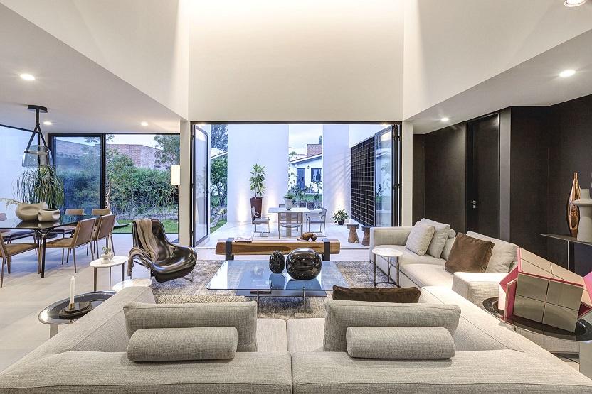 lassala orozco Casa Domus Tuam para la venta en Guadalajara. México. Decoración de interiores y mobiliario by Esencial