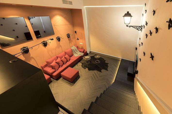 loft en Valencia para un single. Tiovivo Creativo estudio interiorismo . Vista del salón 2