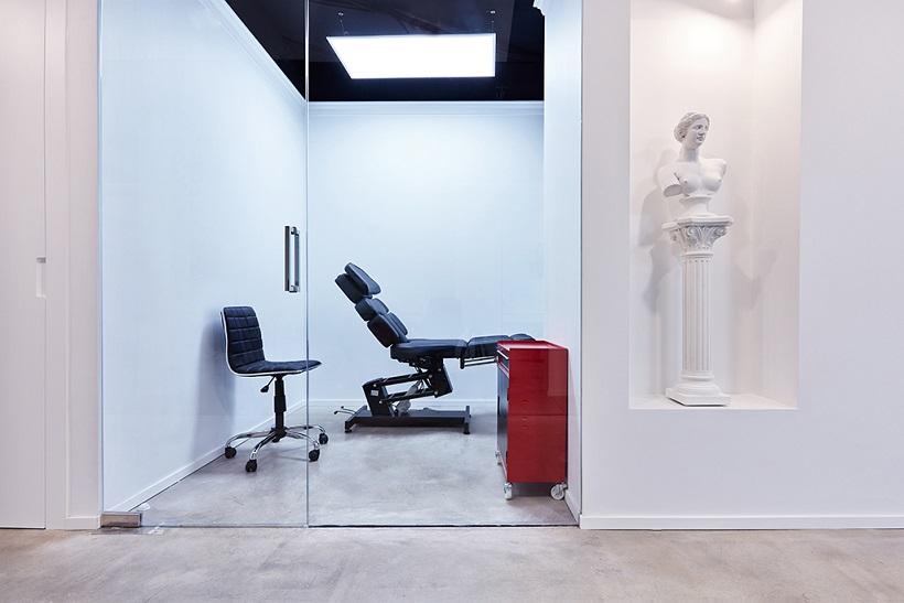 Matias Noble Art Gallery Valencia Centro tatuaje Valencia . Setrabe interiorismo. Sala piercing