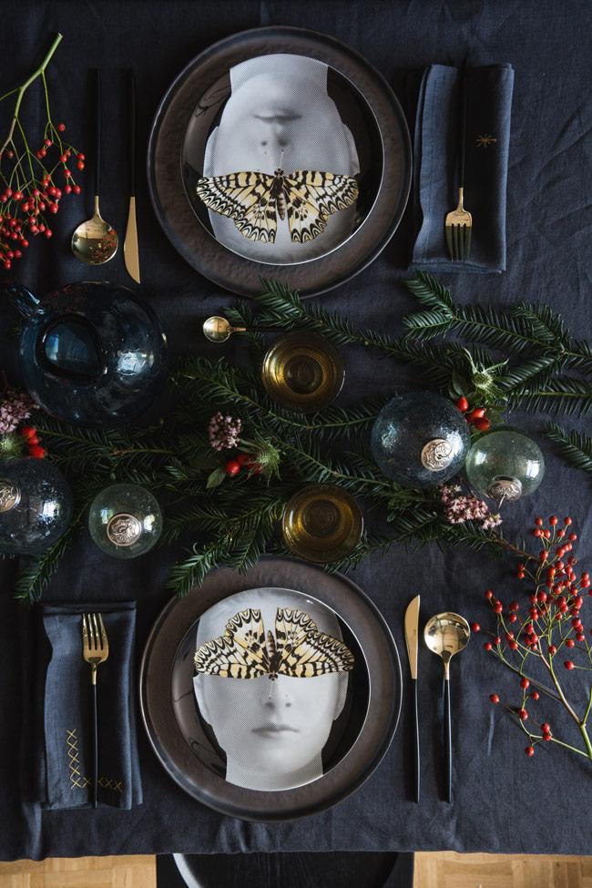 Mesa de Navidad original. Platos negros mesa-nochebuena-nochevieja-propuesta-redoute - woman madame.