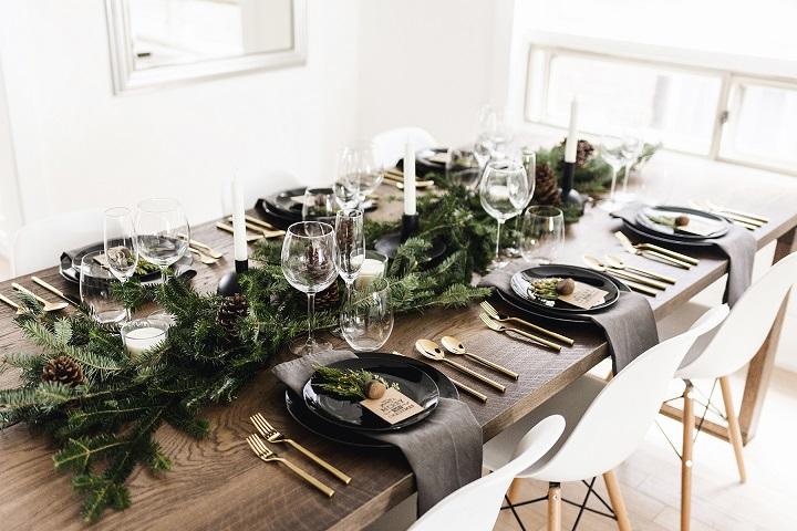Mesas de Navidad originales. Platos negros